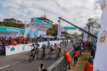 【ツール・ド・ランカウイ/第2ステージ】集団ゴールスプリントでミナーリが区間4位、チームワークに大きな手応え!