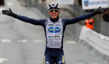 🏆【プルエバ・ビジャフランカ=オルディシアコ・クラシカ】雨の厳しい山岳ワンディレースでネオプロのサイモン・カーがプロ初勝利!
